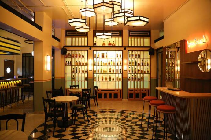Inspired By Jazz Era Salons This Restaurant And Bar Offers A Wide Variety Of Food Whiskies Classic Cocktails In Warm Ambience