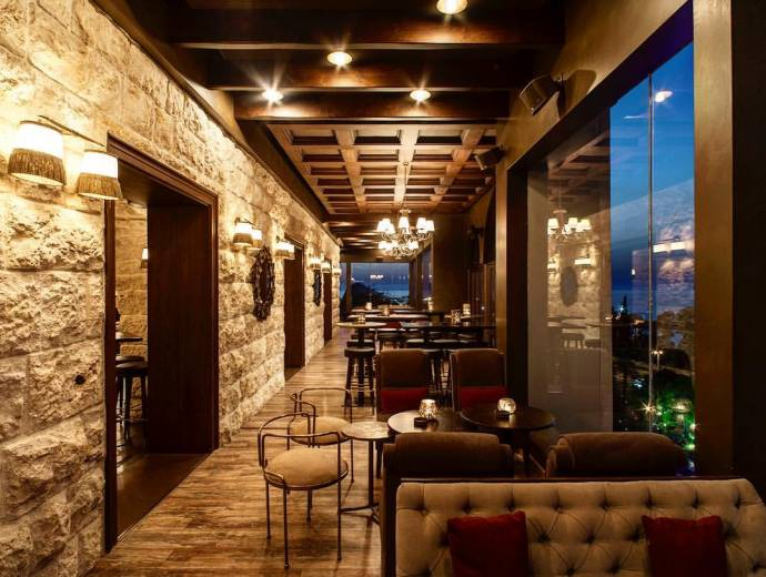 Perfect spots for a romantic date night in beirut